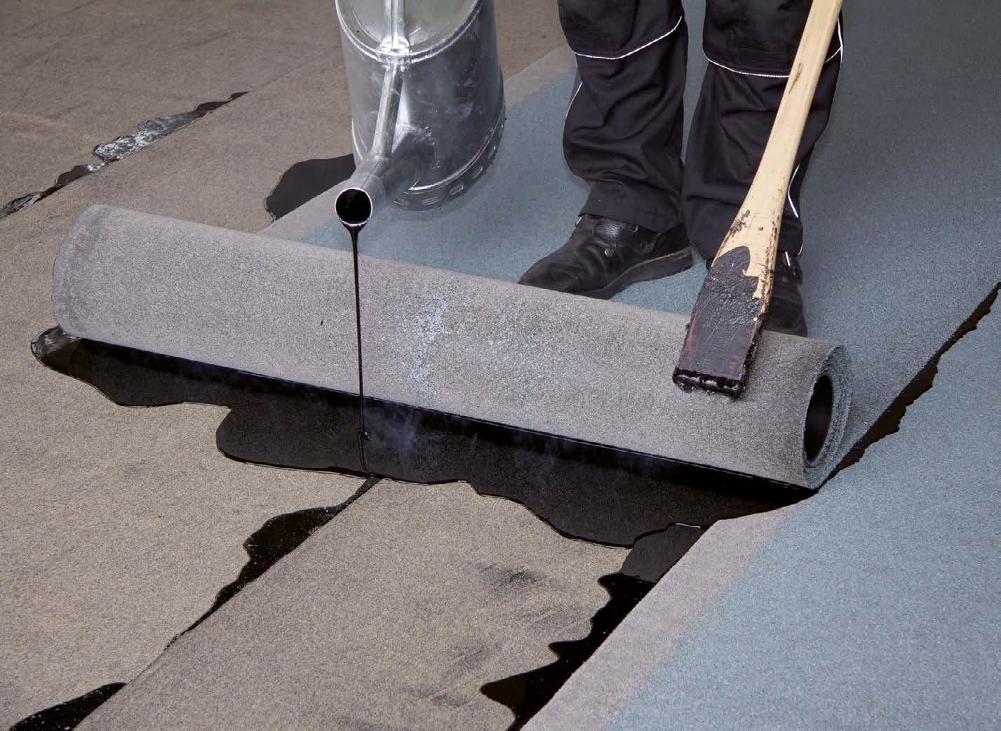 Generell gilt: Als Arbeitgeber und Inhaber eines Dachdeckerunternehmens haben Sie nach § 7 der Gefahrstoffverordnung die Aufgabe, Ihre Beschäftigten zu schützen.
